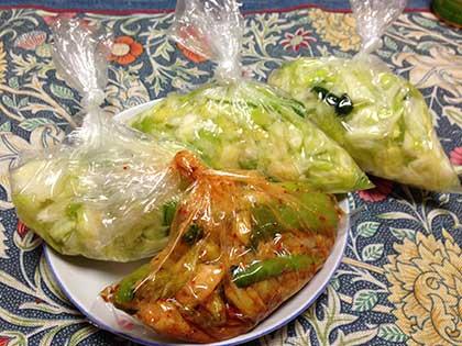キャベツ半玉分のキャベツと小松菜の漬物
