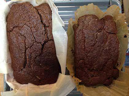 こぼれ梅チョコレートケーキ焼き上がり
